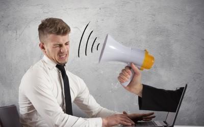 Come gestire i commenti negativi sui social network
