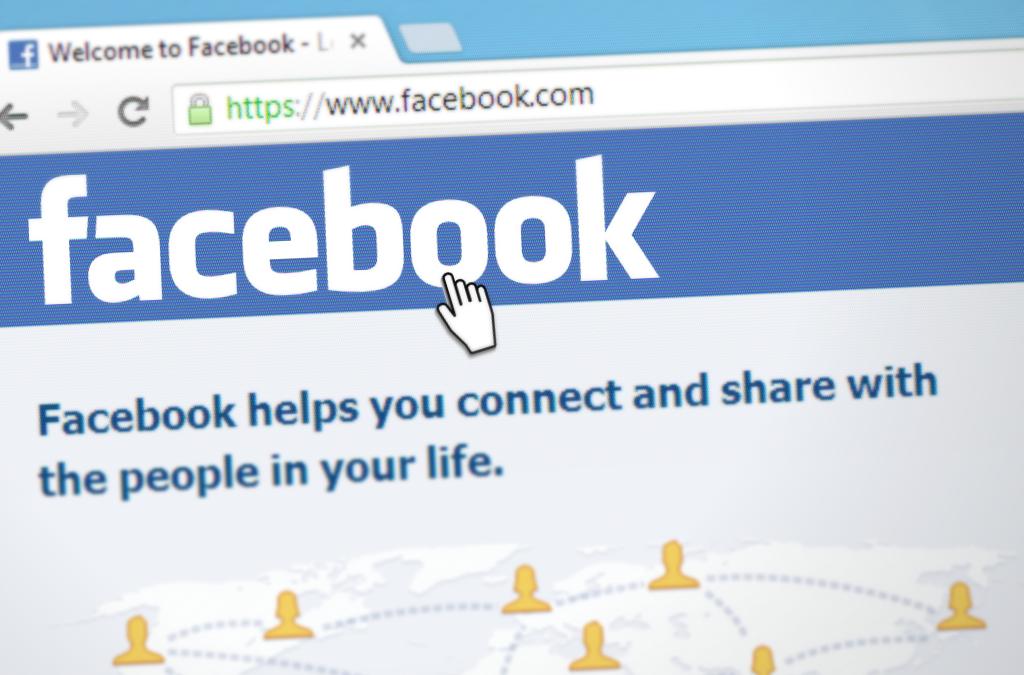 Facebook Profilo o Pagina